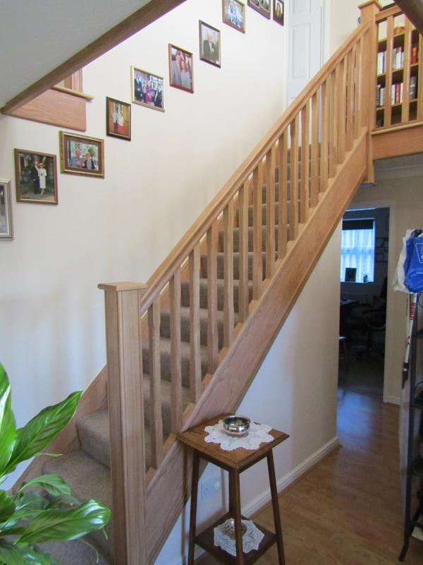 oak-staircase-navigation